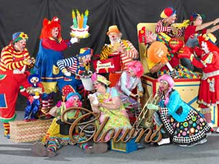 hire clowns Amazing Attractions